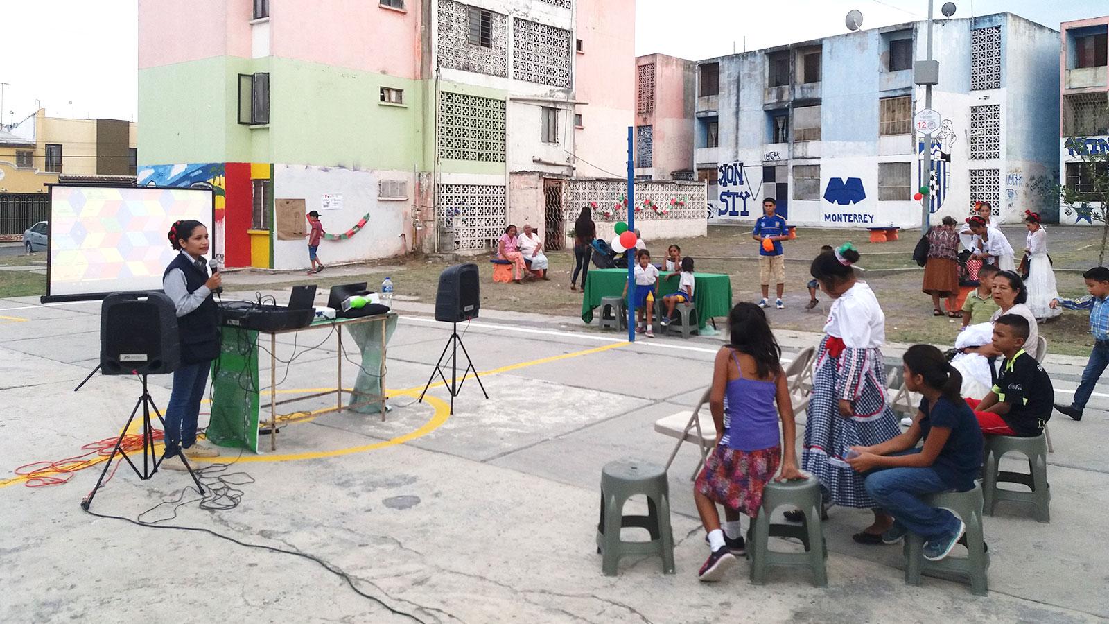 Organizan kermés para festejar la conclusión del proyecto Plaza Kids en Constituyentes de Querétaro
